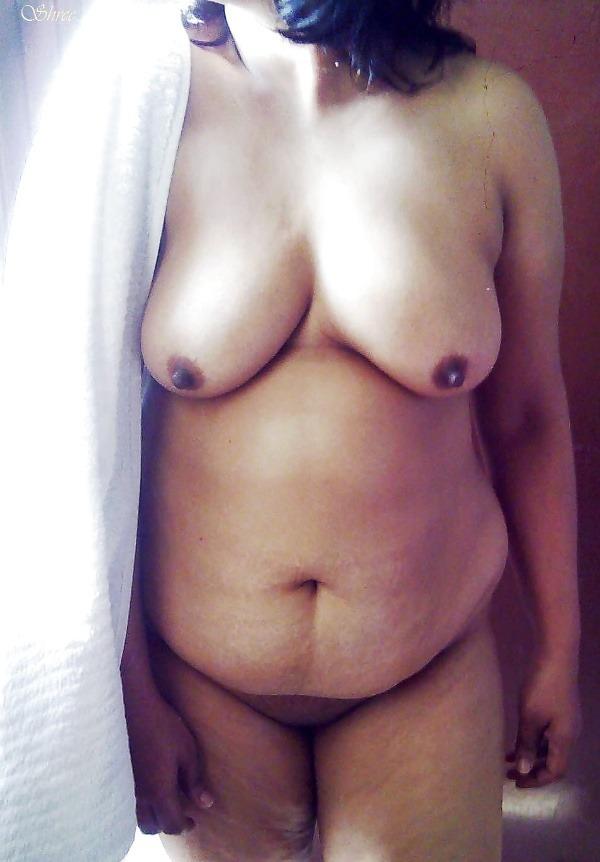 tantalizing bhabhi nude pics - 48