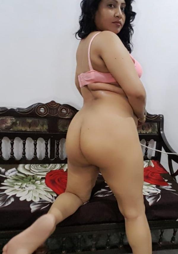tantalizing bhabhi nude pics - 5