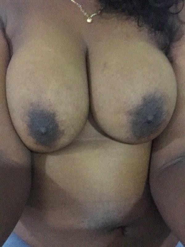 teasing desi hot boobs gallery - 1