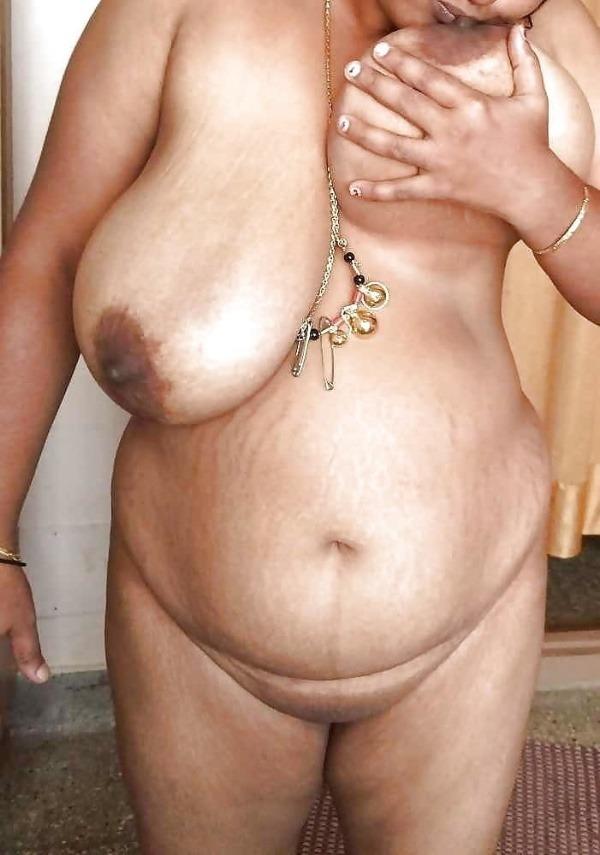 teasing desi hot boobs gallery - 22