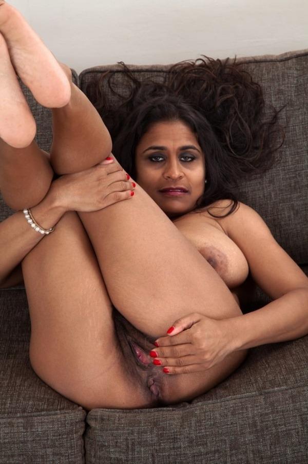 curvy sexy nude aunty gallery - 30