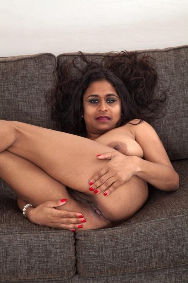 curvy sexy nude aunty gallery - 32
