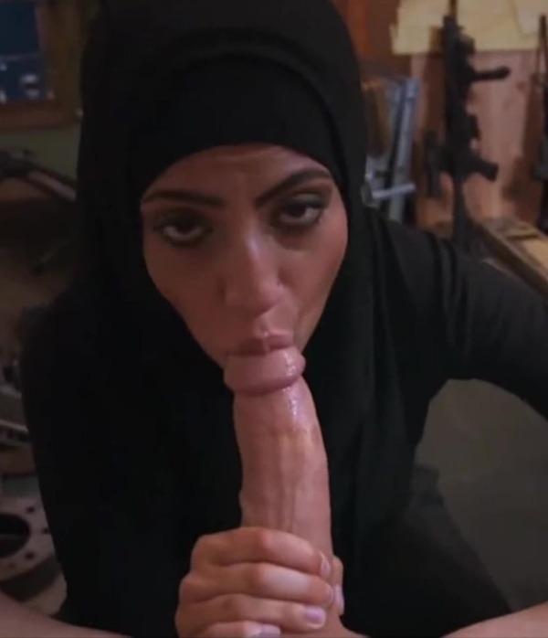 desi cock sucking women pics - 34