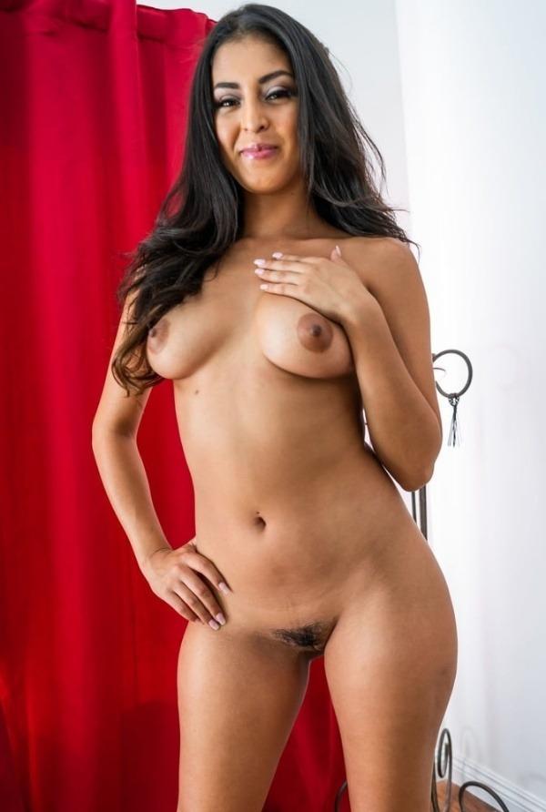 desi juicy tits hd gallery - 6