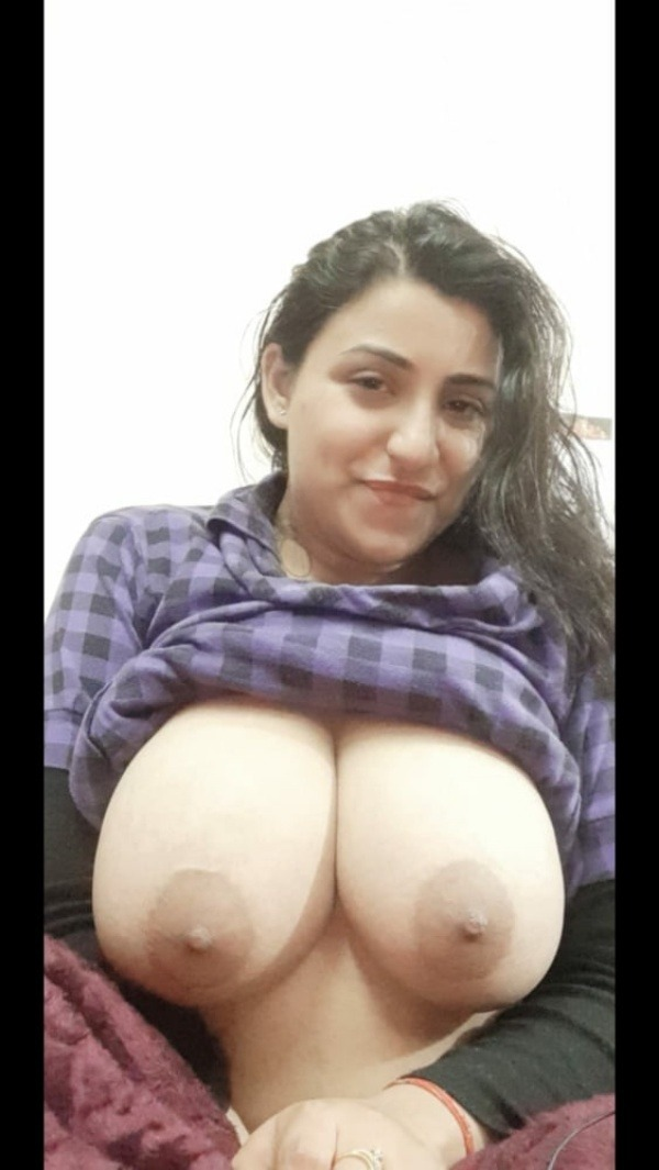 hypnotic desi big boobs gallery - 1