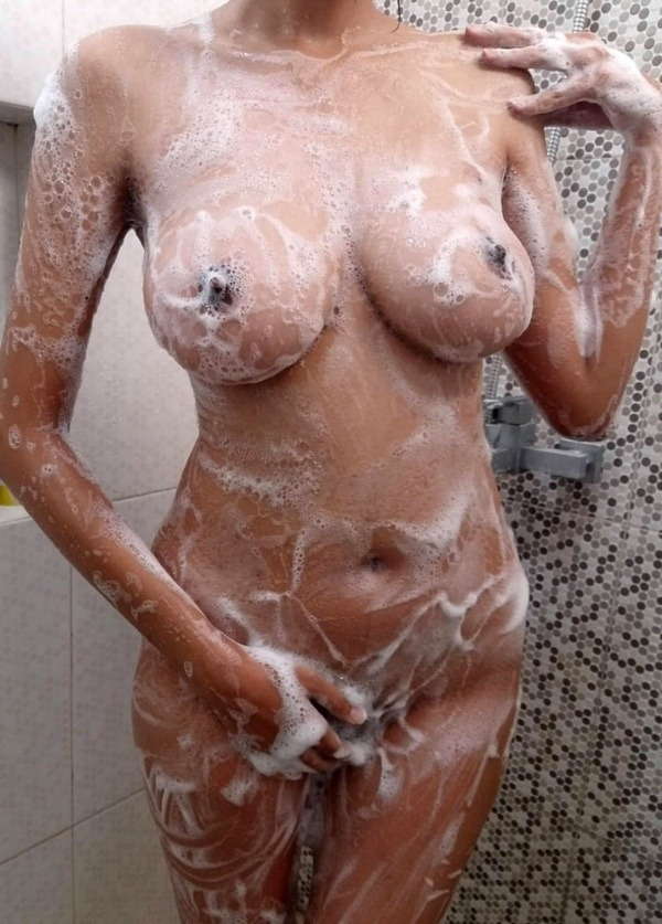 indian kinky naked babes pics - 30