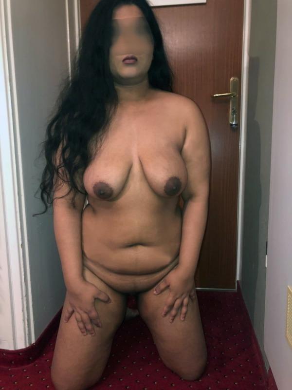 indian women natural tits pics - 18