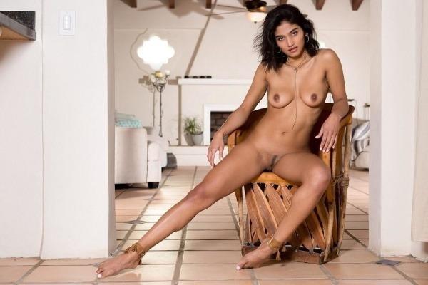 kinky indian naked girls pics - 13