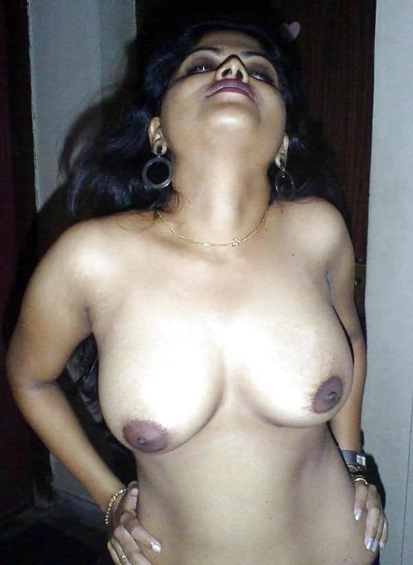 kinky indian nude girls pics - 37