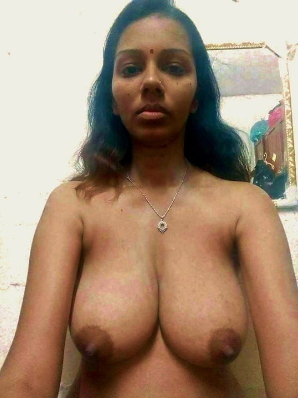 lovely desi natural tits images - 12