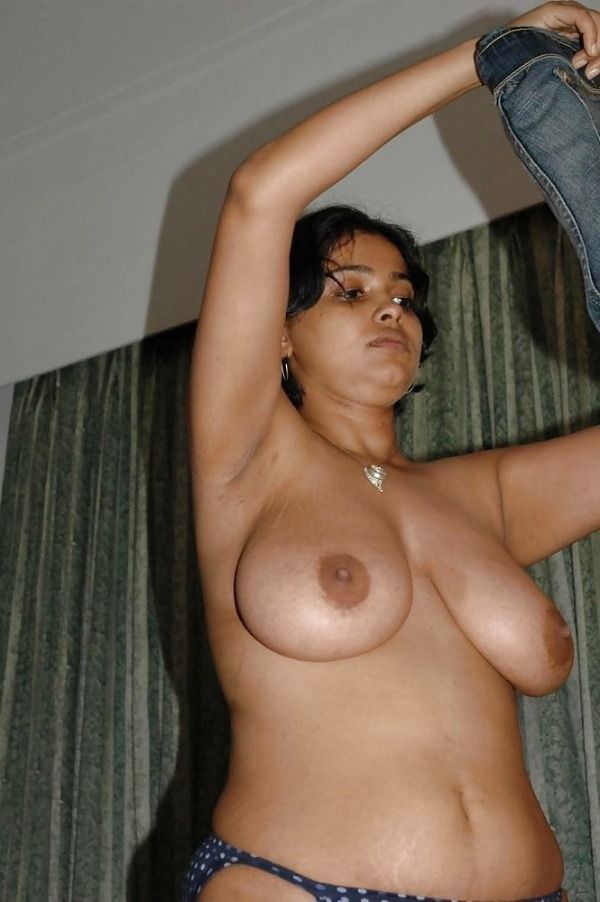 lovely desi natural tits images - 13