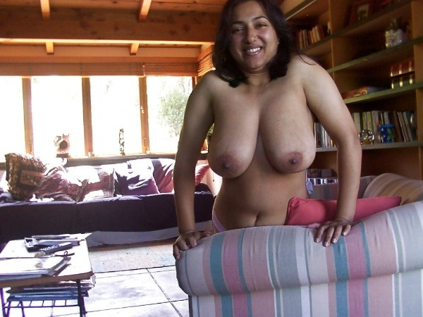 lovely desi natural tits images - 14