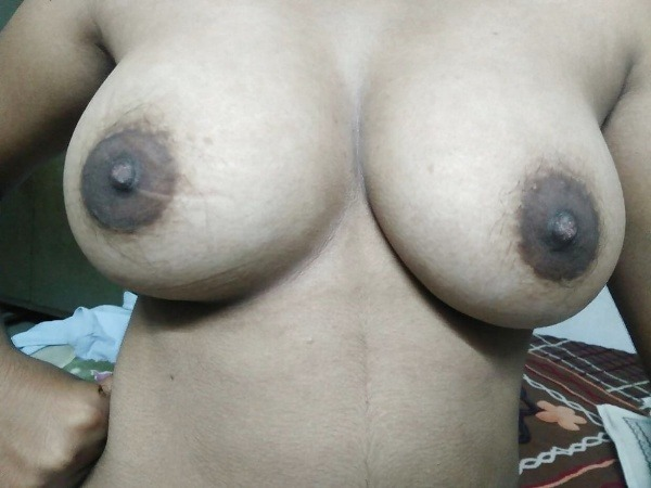 lovely desi natural tits images - 5