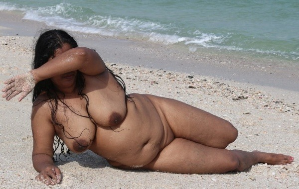 naughty indian sexy aunties pics - 46