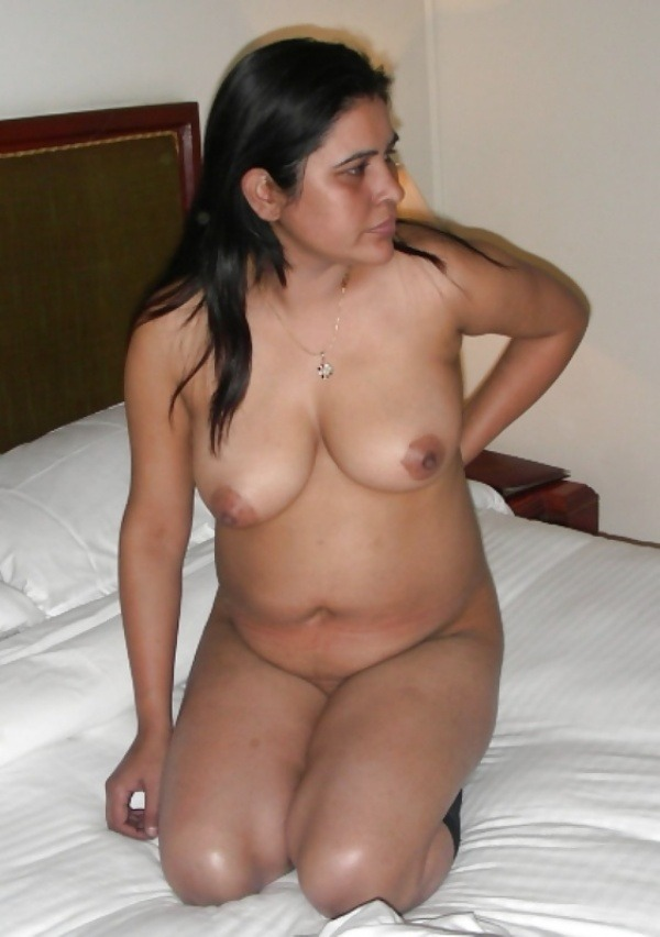 sensual indian nude girls pics - 12