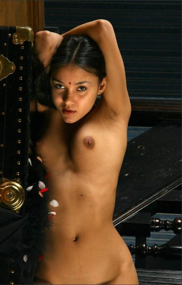 sexy indian nude sluts pics - 3