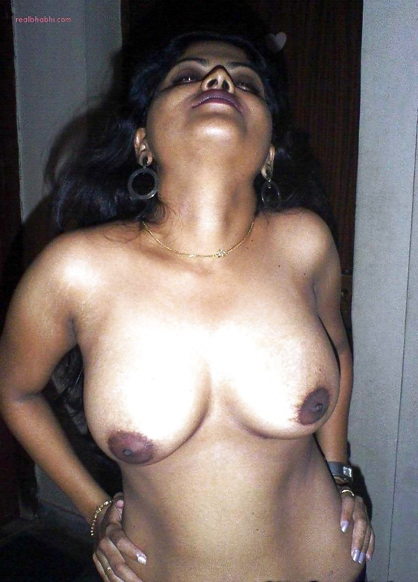 alluring indian college girls nude pics - 12