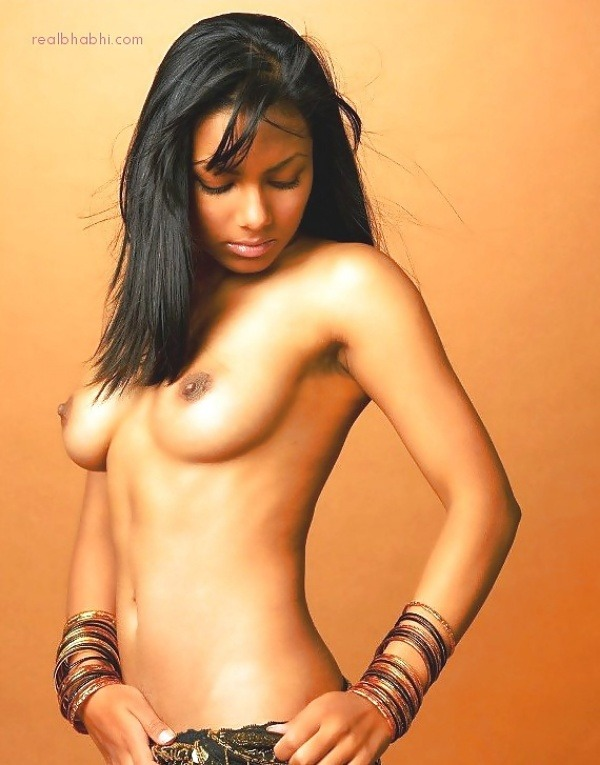alluring indian college girls nude pics - 14