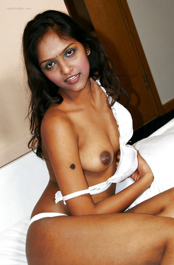 alluring indian college girls nude pics - 33