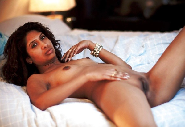 alluring indian college girls nude pics - 40