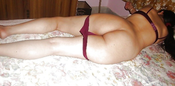 arouse your lust to horny indian bhabhi nude pics - 24