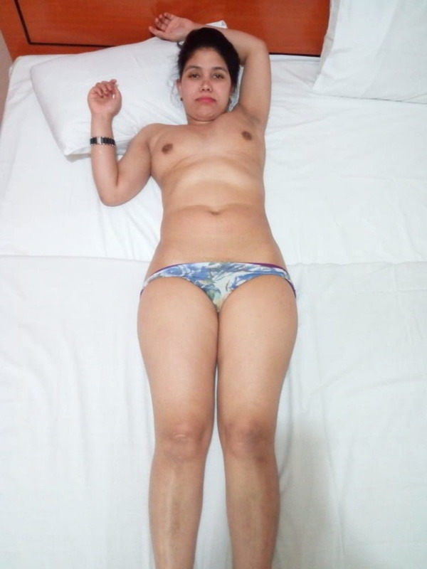arouse your lust to horny indian bhabhi nude pics - 53