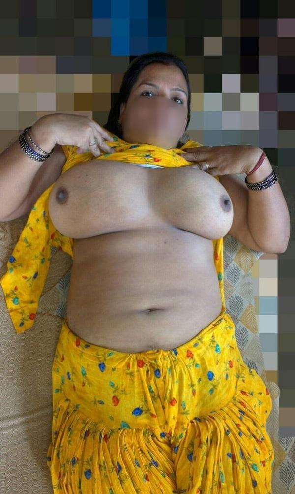 bengali aunty nude pics will satisfy your fantasy - 24
