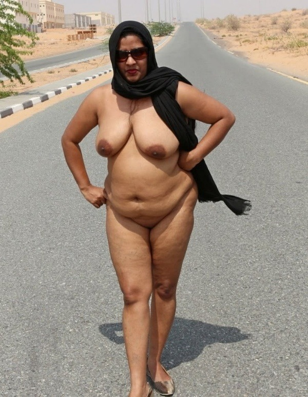 big round ass mature pussy aunty nude images - 10