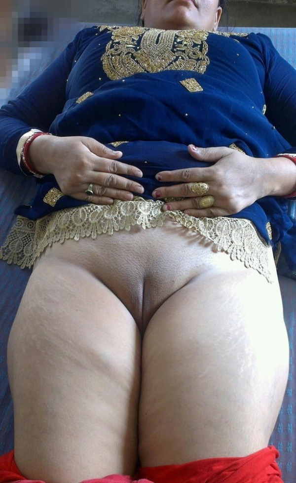 big round ass mature pussy aunty nude images - 22