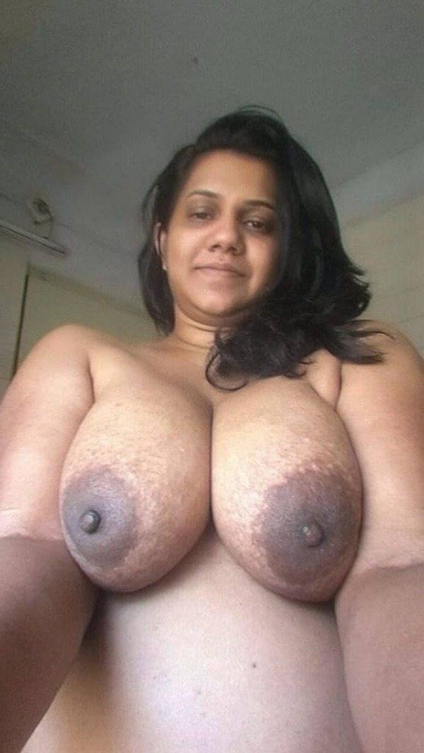 big round ass mature pussy aunty nude images - 24