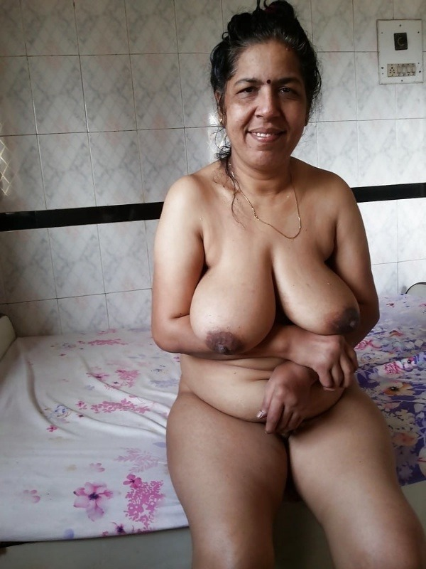 big round ass mature pussy aunty nude images - 30