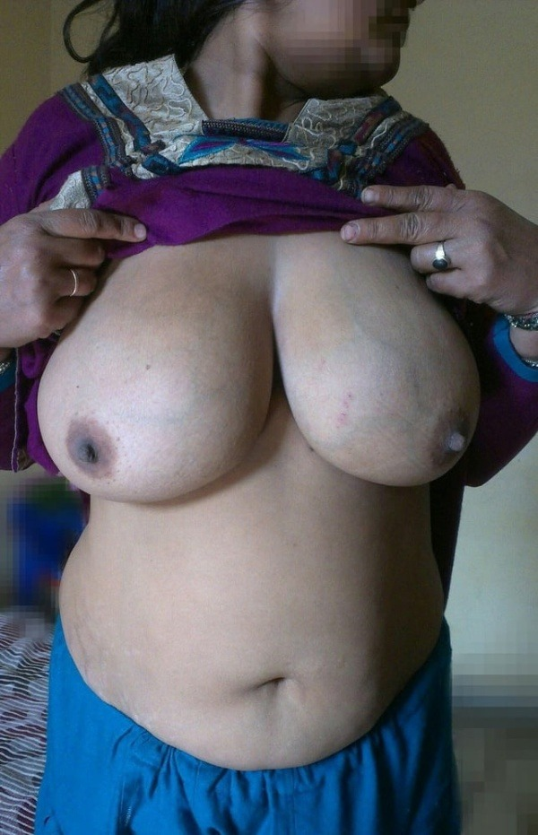 big round ass mature pussy aunty nude images - 9
