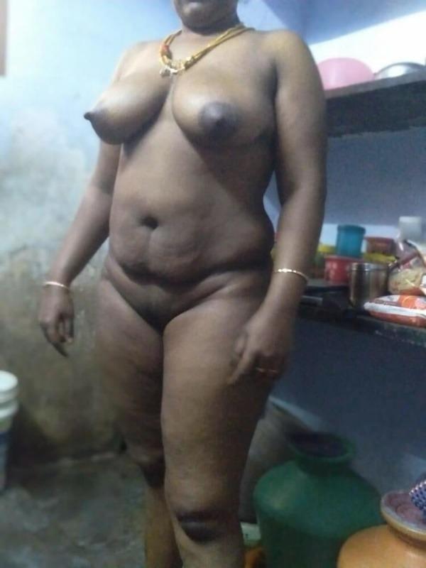 big tits round ass mallu aunty nude pics - 2