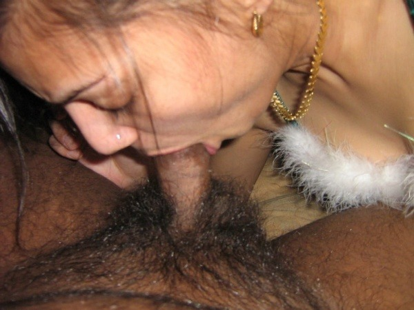 desi married women sexy blowjob images - 11