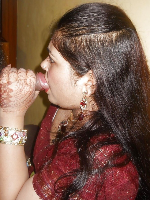 desi married women sexy blowjob images - 16