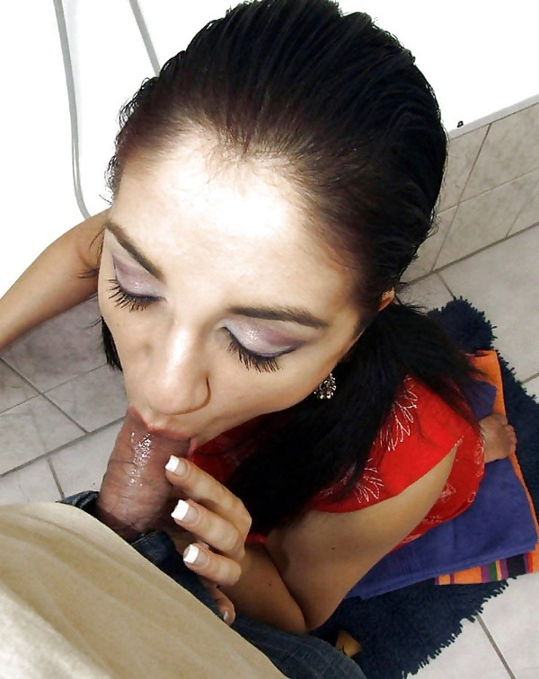 desi married women sexy blowjob images - 45