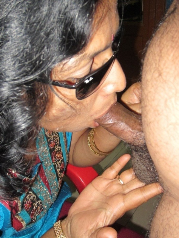 desi married women sexy blowjob images - 49