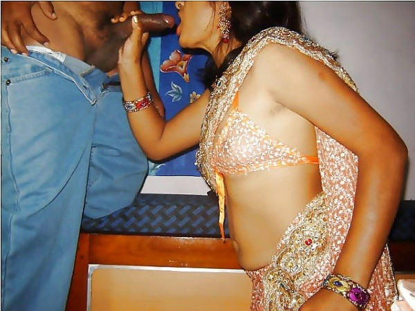 desi married women sexy blowjob images - 6