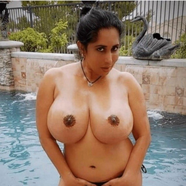desi women big boobs photos need your attention - 2