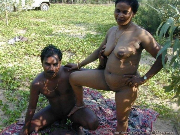 dirty desi couple romantic sex pic goes viral - 16