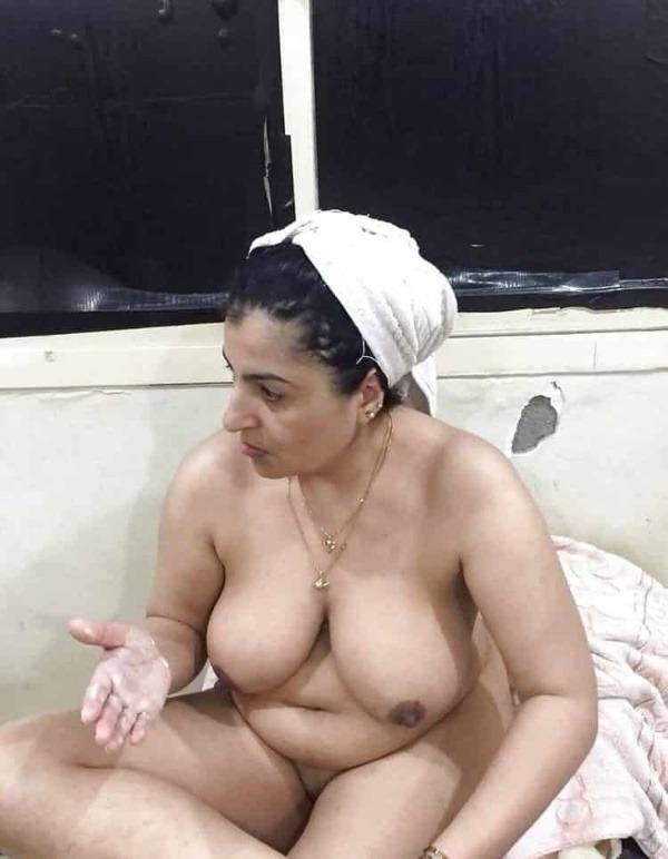 hot boobs tight pussy mallu nude pics - 17
