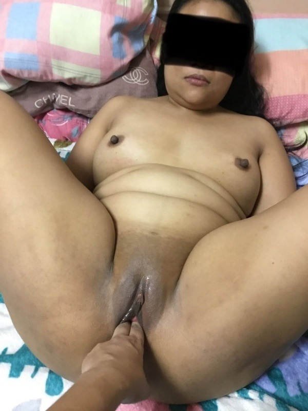 hypnotic desi hot girls vagina pics - 12
