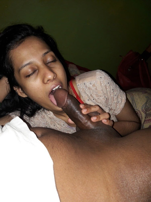 indian cheating wife blowjob pics leaked - 3