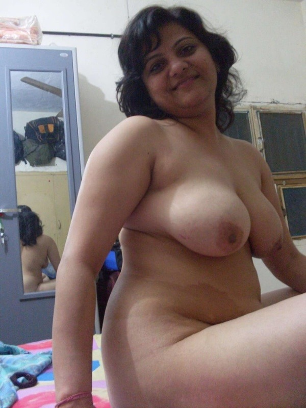 indian sexy mature aunties pics - 10