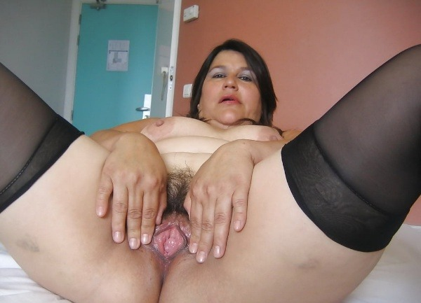 indian sexy mature aunties pics - 13