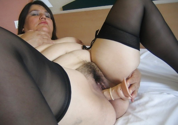 indian sexy mature aunties pics - 14