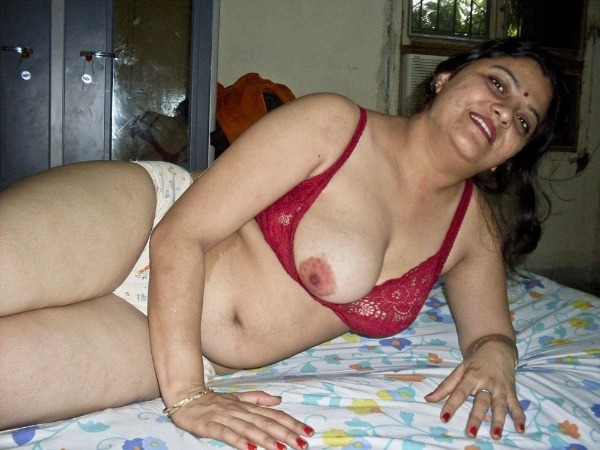 indian sexy mature aunties pics - 16