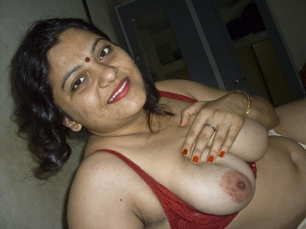 indian sexy mature aunties pics - 17