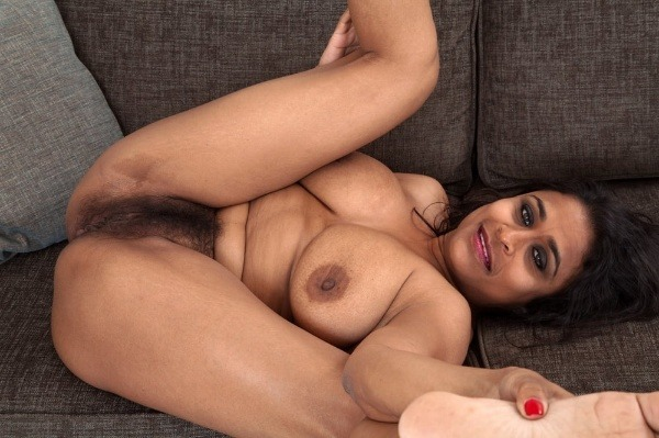 indian sexy mature aunties pics - 32
