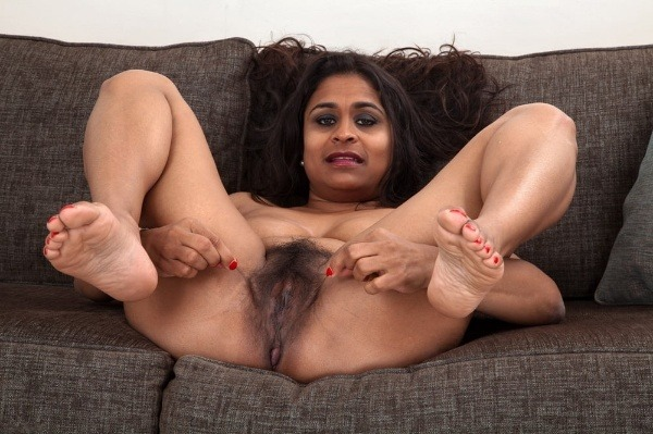 indian sexy mature aunties pics - 46